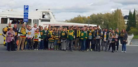 Ottelumatkalle osallistui noin 60 Ilves-fania, joista suurin osa palasi Tampereelle bussikyydillä.
