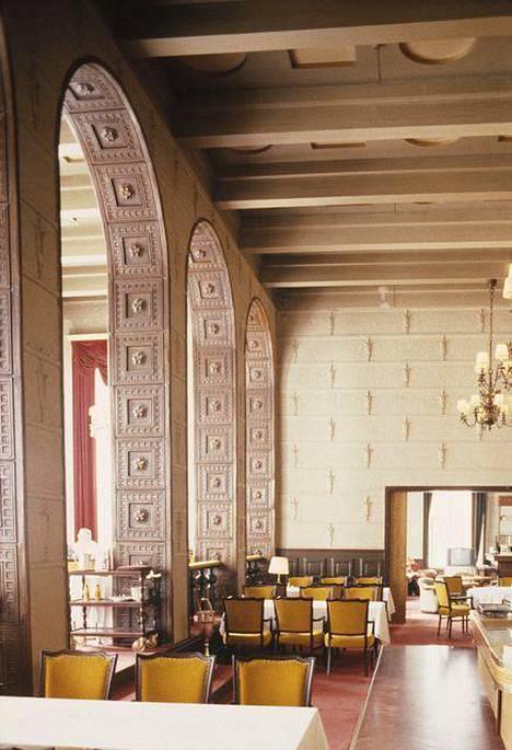 Hotelli Tammer rakenettiin vuonna 1929. Upea ruokasali kunnostettiin alkuperäiseen asuun 1990-luvulla.