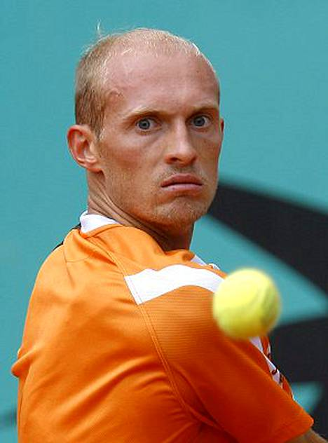 Nikolai Davidenko joutuu kuulusteluihin tenniksen vedonlyöntiskandaalissa.