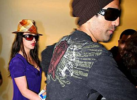 Britney Spearsin värikäs suhde paparazzi Adnan Ghalibin kanssa näyttää kaatuneen lopulta toiseen naiseen.