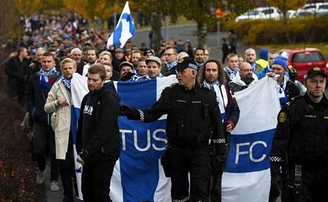 Reykjavikissa ottelua seuraa lähes tuhat suomalaista vieraskannattajaa.