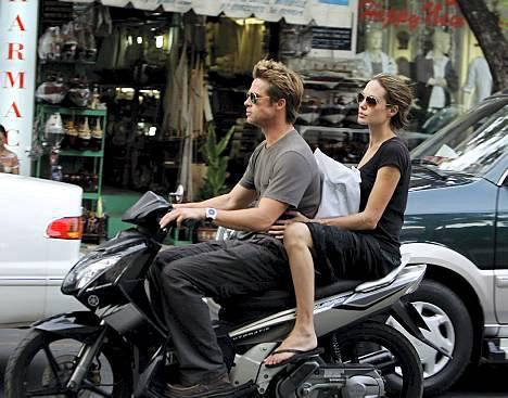 Brad Pitt ja Angelina Jolie viettivät kiitospäivää Vietnamissa.