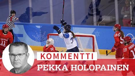Suomen naisjääkiekkoilijat voittivat viime vuonna olympiapronssiottelussa Venäjän riippumattoman olympiajoukkueen.