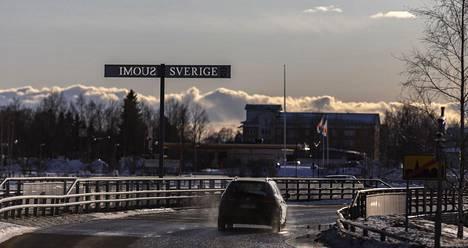 Koronavirus jyllää molemmin puolin länsirajaa. Norrbotten on siirtynyt kriisitilaan.