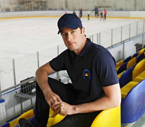 Kim Hirschovits Espoonlahden jäähallissa.