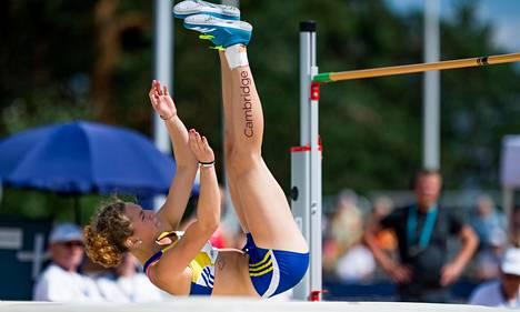 Ella Junnilla sijoittui hopealle Kalevan kisojen korkeushyppykisassa tuloksella 186. Voiton vei Elerin Haas, joka ponnisti riman yli korkeudesta 188.