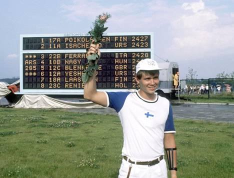 Poikolainen juhli kultaa. Isäntämaa Neuvostoliiton Boris Isatshenko tuli toiseksi, Italian Giancarlo Ferrari kolmanneksi.