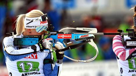 Kaisa Mäkäräisen MM-kisat jatkuvat Anterselvassa sunnuntaina takaa-ajokilpailussa.