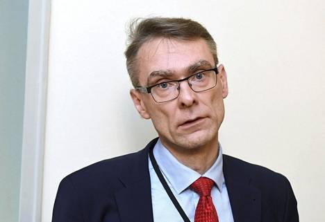 """Oikeuskansleri Tuomas Pöystin mukaan siltä osin kuin perustuslakivaliokunta käsittelee Haavisto-asiaa, oikeuskanslerinvirasto """"ei tietenkään käsittele""""."""