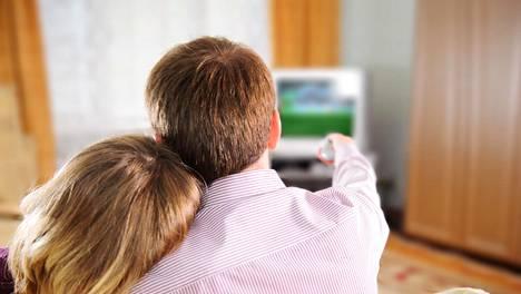 Asiantuntijan mukaan vakaan suhteen pohja ei välttämättä vaadi intohimoa ja ihastumista.