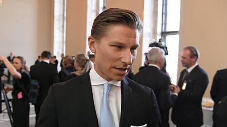 Entinen oikeusministeri Antti Häkkänen haluaa Suomen ottavan kovan linjan Venäjää kohtaan Syyria-kysymyksessä.