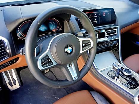 BMW:n uusi tietoviihdejärjestelmä osaa lukea myös kädellä ilmassa tehtyjä liikkeitä.
