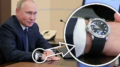 Presidentti Vladimir Putin poseerasi virallisella äänestysvideolla, joka julkaistiin perjantaina 17. syyskuuta. Hänen kellossaan oli kuitenkin päivämäärän kohdalla numero 10.