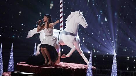 All I Want for Christmas sopi Saara Aallolle loistavasti.