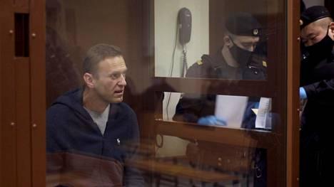 Aleksei Navalnyiä syytetään parhaillaan meneillään olevassa oikeusjutussa sotaveteraanin kunnian loukkaamisesta.