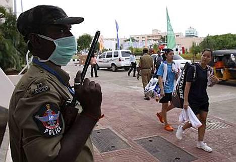 Turvatoimia on kiristetty sulkapallon MM-kisoissa Intiassa.