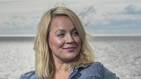 Heidi Pakarinen paljastaa, että hänen ja Heikki Koskelon suhde koetteli hänen luottamustaan.
