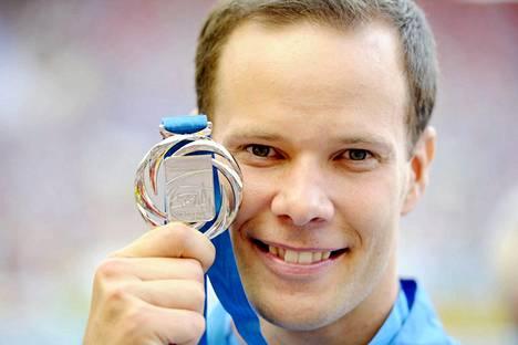 Tero Pitkämäki voitti MM-hopeaa 2013, vaikka hän joutui leikkaukseen kaksi kuukautta aiemmin.