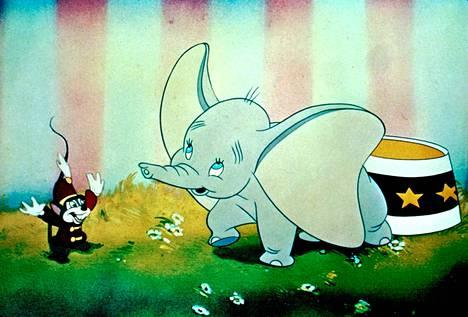 Dumbo kertoo norsunpoikasesta, joka oppii lentämään.