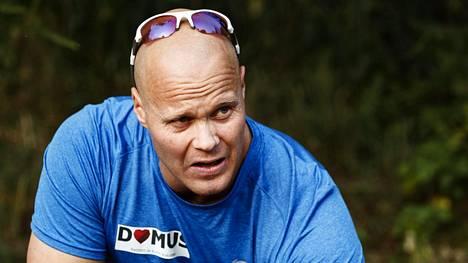 40-vuotias moukarinheittäjä David Sörderberg kärsii selkävaivoista.