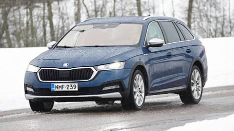Škoda Octavia on tarjolla Suomen markkinoilla kaasu-, bensiini-, diesel-, kevythybridi- ja pistokehybridimalleina.