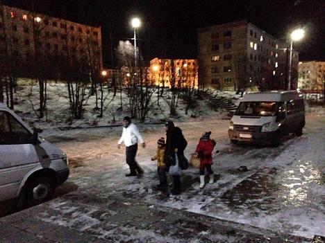 Turvapaikanhakijoiden ohjaaminen Suomeen voi Veli-Pekka Tynkkysen mukaan lukeutua Venäjän keinovalikoimaan, jolla Venäjä saattaisi pyrkiä vaikuttamaan Suomeen.