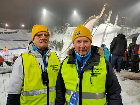 Järjestyksenvalvojat Vesa Kunnari ja Taisto Salonen muistelivat Matti Nykästä.