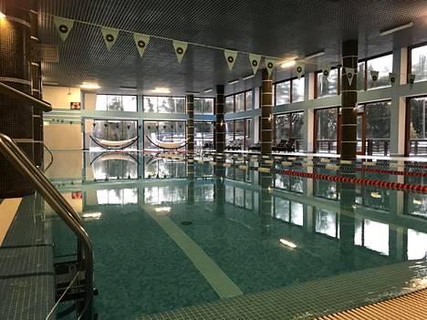 Hotellin uima-allas on 25-metrinen ja sen vedenlämpö on 28 astetta.