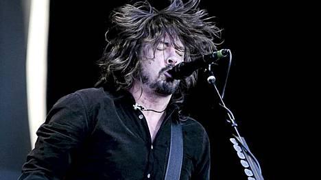 Dave Grohl ja Foo Fighters valloittivat Helsingin Kalasatamassa sunnuntai-iltana. Paikalla oli 28 000 ihmistä.