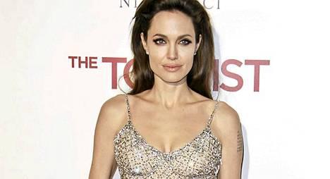 4. Näyttelijä Angelina Jolie.