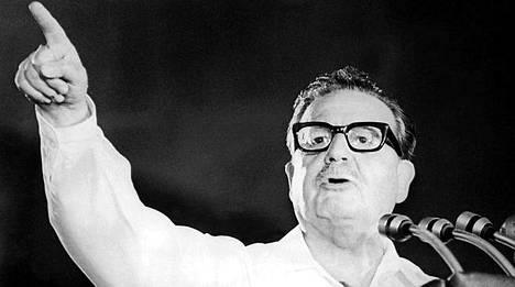 Allende sai surmansa vuoden 1973 vallankaappauksen yhteydessä.