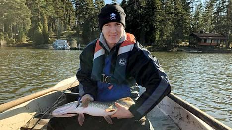 Anton Lundell on ollut haukijahdissa Raaseporin Snappertunassa sijaitsevilla mökkivesillä.