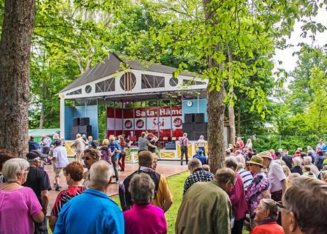 Sata-Häme soi -musiikkifestivaalin aikaan heinäkuussa Turkinpuisto on vilkas.