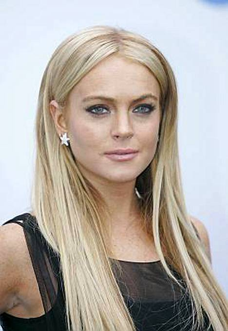 Lindsay Lohan kävi itse ilmoittautumassa poliiseille.