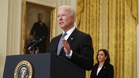 Joe Biden puhui maanantaina Valkoisessa talossa.