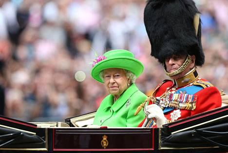 Prinssi Philip lennätti äitinsä tämän viimeisiksi elinvuosiksi Buckinghamin palatsiin. Kuvassa prinssi Philip ja kuningatar Elisabet.