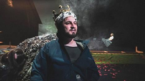 Jeppe Niilonpoika -näytelmän pääosaa esittää Joonas Heikkinen.