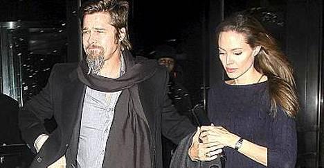 Ystäväpiiri tyrmää huhut, joiden mukaan tähtipari Brad Pitt ja Angelina Jolie olisivat eroamassa.