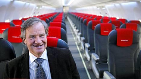 Norwegian-lentoyhtiön johtaja Björn Kjos kommentoi vihdoin ongelmia. Kuva vuodelta 2010.