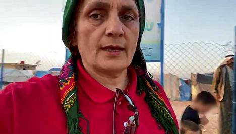 Nemam Ghafouri on tavannut useita Isis-taistelijoiden vaimoja al-Holin leirillä.