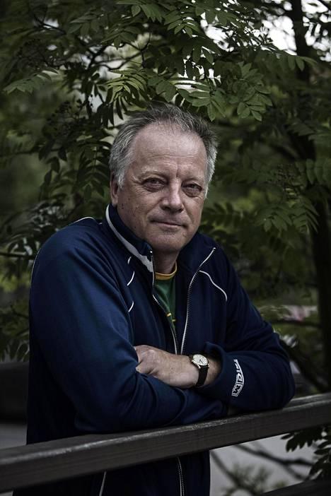56-vuotias Matti Rönkä tunnetaan uutisankkurina.