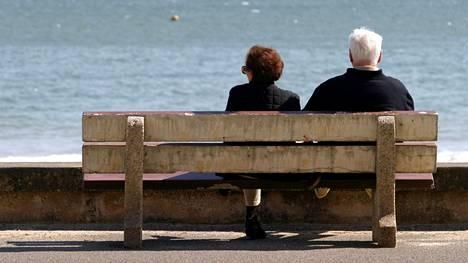 Vanhana ei todennäköisesti kadu eniten isoja mokia, vaan turhaa stressaamista.