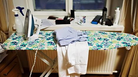 Nerokkaan yksinkertainen Pirkka-niksi paljastaa, miten saat vaatteista rypyt pois ilman silittämistä