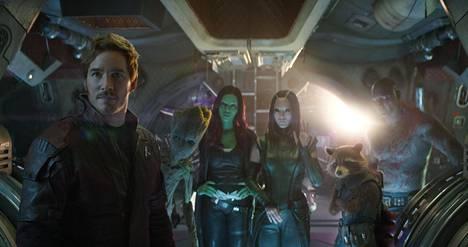 Guardians of the Galaxy -elokuvien Star-Lord (Chris Pratt), Groot (äänenä Vin Diesel), Gamora (Zoe Saldana), Mantis (Pom Klementieff), Rocket (äänenä Bradley Cooper) ja Drax (Dave Bautista) tuovat Infinity Wariin tarvittavaa kepeyttä – mutta myös yllättävää tunteikkuutta.