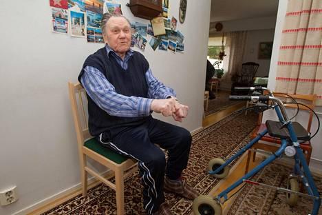 Satavuotias Tarmo Ahti työnsi viime vuonna yli satavuotiaiden Suomen ennätyksen.