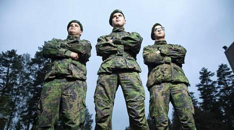 Pesosen kolmosilla ei ollut vaikeuksia sopeutua armeijaan.