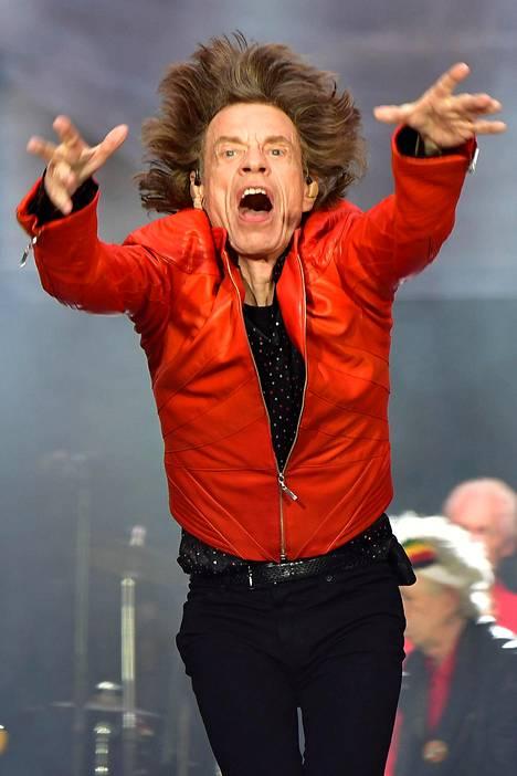 Jagger on rautaisessa kunnossa, mutta lähipiiri on lehtiväitteiden mukaan ollut huolissaan hänen jaksamisestaan.