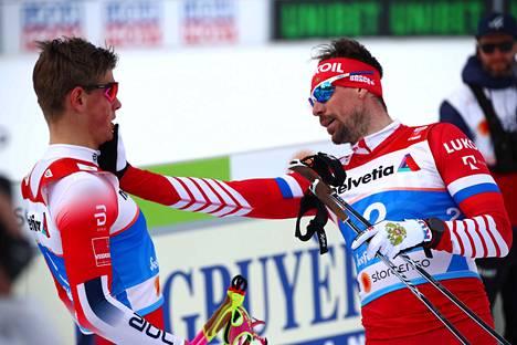 ...minkä jälkeen Ustjugovilla paloi pinna. Venäläinen diskattiin, Johannes Hösflot Kläbo viiletti sittemmin finaalissa MM-kultaan.