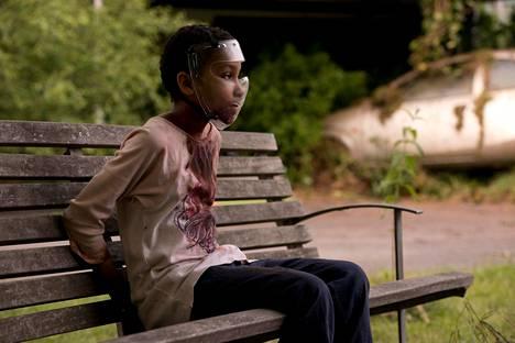 Puoliksi zombia, puoliksi ihmistä näyttelee Maailman lahjakkain tyttö -elokuvassa Sennia Nanua.