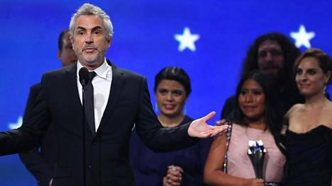Roma nappasi Critics' Choice Awards -gaalassa parhaan elokuvan ja parhaan ulkomaisen elokuvan palkinnon.